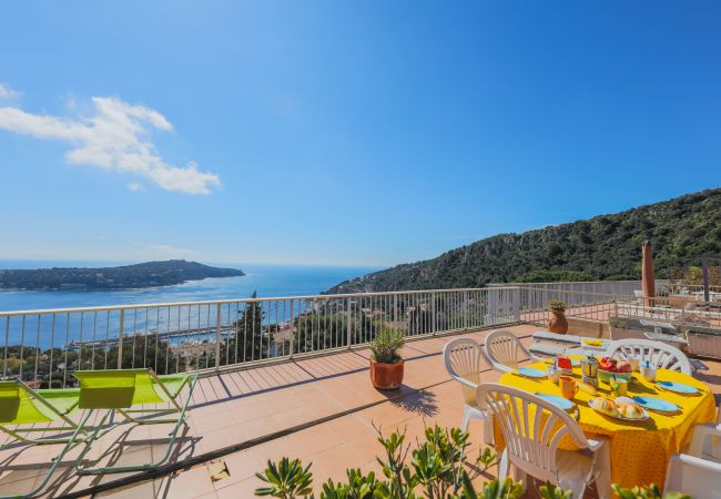 in Villefranche-sur-Mer - LE CALIFORNIA, Magnificent apartment, terrace with swimming pool, sea view by RIVIERA HOLIDAY HOMES